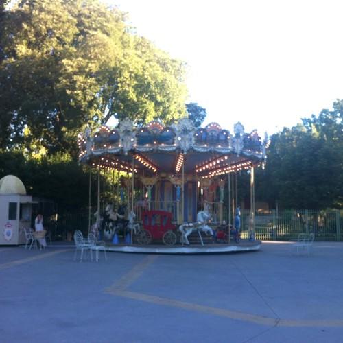 le carrousel de la rotonde a déménagé au parc jourdan - aix-en